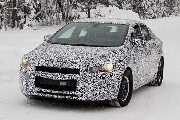 В интернете появились снимки нового Chevrolet Cruze